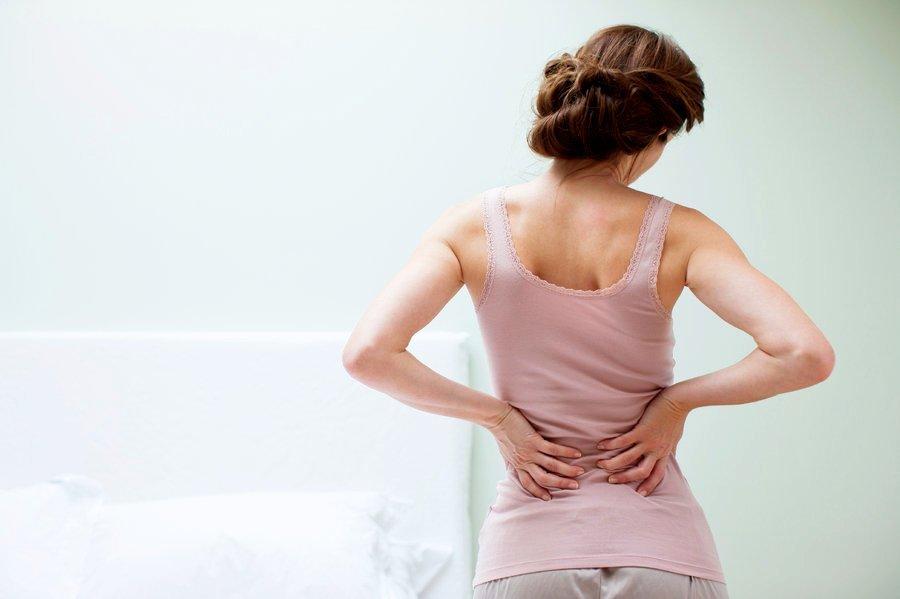 Pratimai nugarai stiprinti su kamuoliu. Mankšta stuburui namie. Nugaros pratimai raumenims.