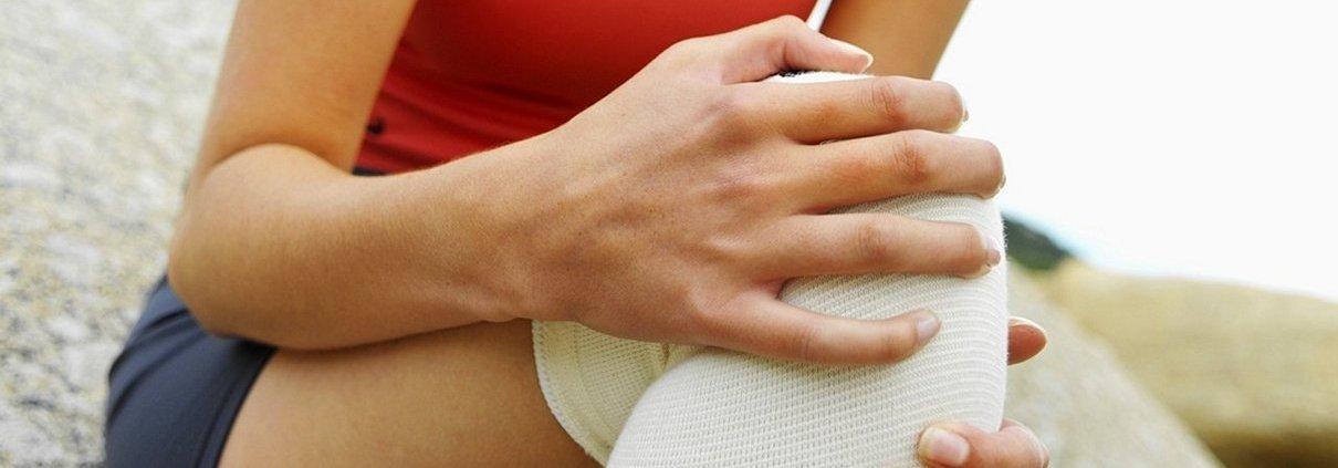 Kelio girnelės trauma - begiko kelis. Raiščių, raumenų ir sausgyslių patempimas, menisko plyšimas, raiščio trūkimas.